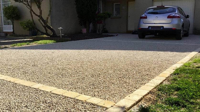 Acc s garage et stationnement r sin al expert en for Revetement acces garage