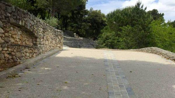 amenagement-chemin-beton-desactive
