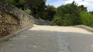 amenagement-chemin-beton-desactive