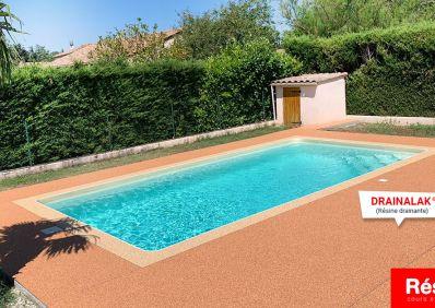 contour de piscine drainant et antidérapant